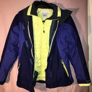 Like new: Columbia women's snowboarding jacket